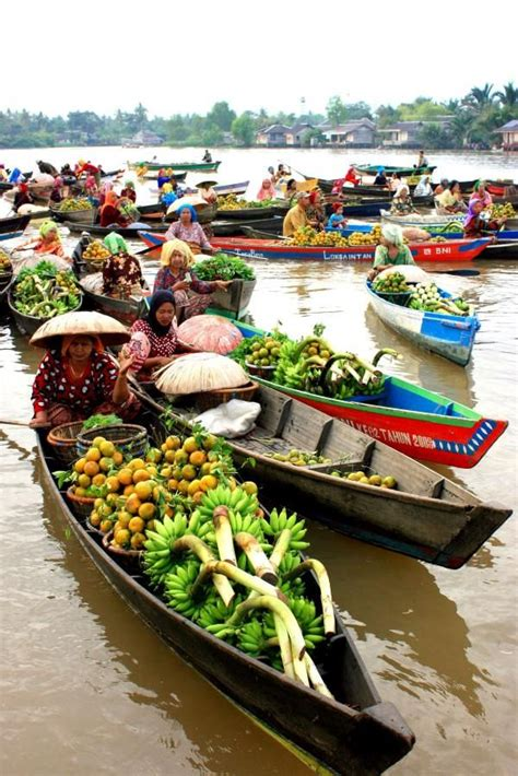 row row your boat farmees row row row your boat banjarmasin floating market
