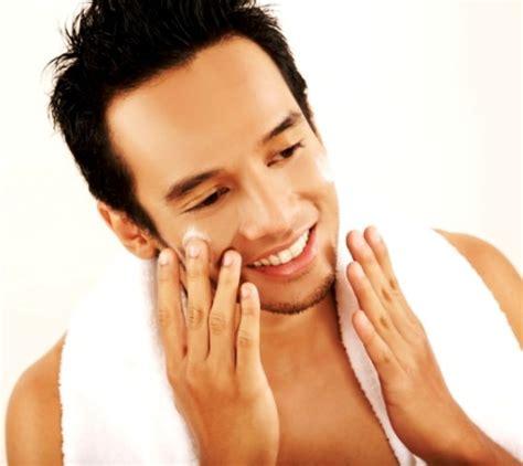 Merawat Kulit Wajah cara merawat wajah pria yang berjerawat