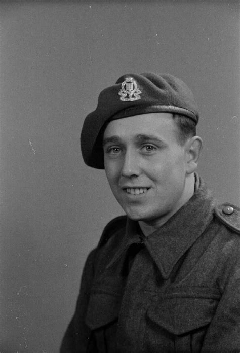 Unknown | Faces | Army divisions, British people, British army