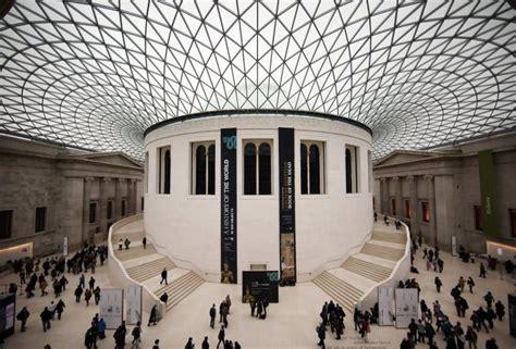 sculpture outside design museum london waiter breaks roman sculpture at london s british museum