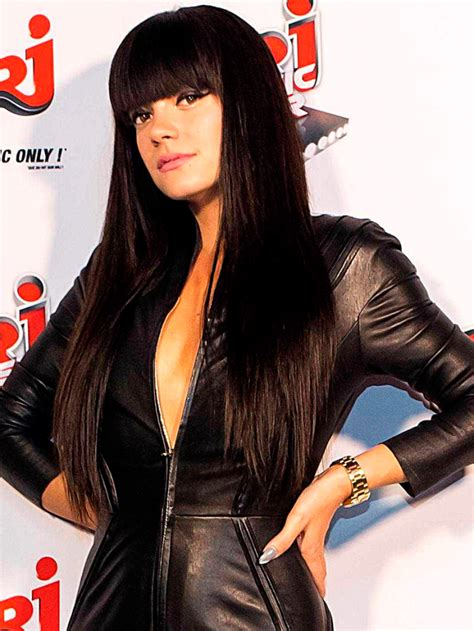 dominatrix bangs hair lily allen s epic hairstyle file marie claire