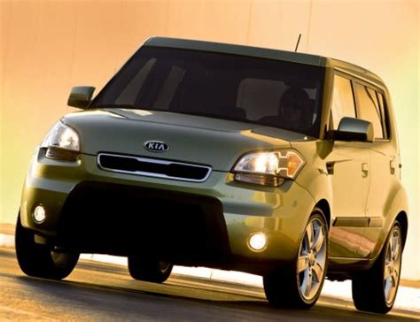 Kia Soul Driving In Snow Kia Soul Car Review And Gallery