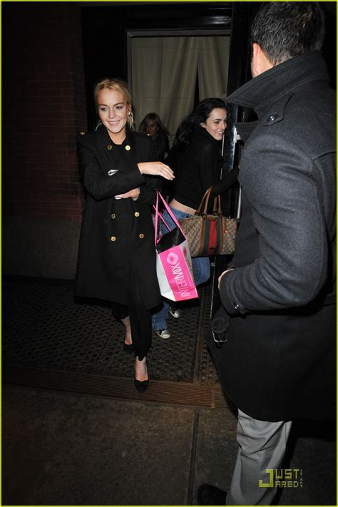 Lindsay Lohan Likes To A Lot by Lindsay Lohan Likes To Intermix A Lot Photo 2404615