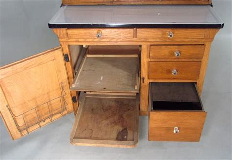 sellers kitchen cabinet history igavel auctions hoosier baking cabinet made by sellers