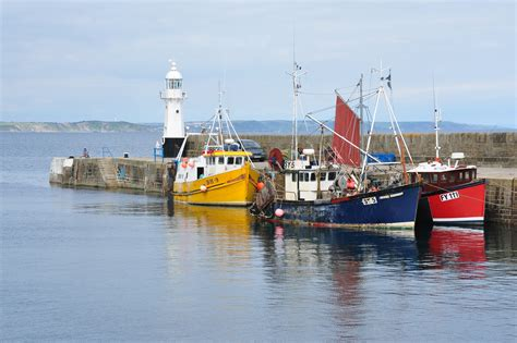 boat harbour pictures file fishing boats in mevagissey harbour jpg