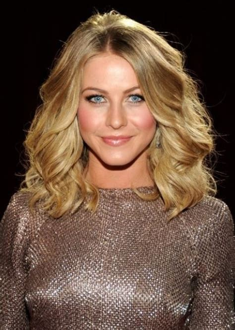 shoulder length blonde curly hair 1000 images about long angled wavy bob on pinterest