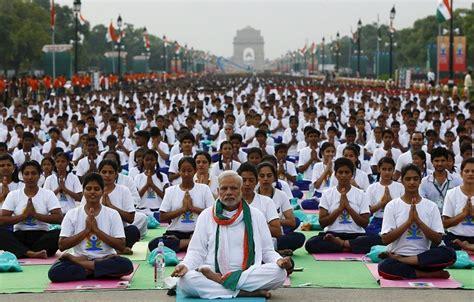 imagenes yoga india international yoga day 2017 indian pm narendra modi wants