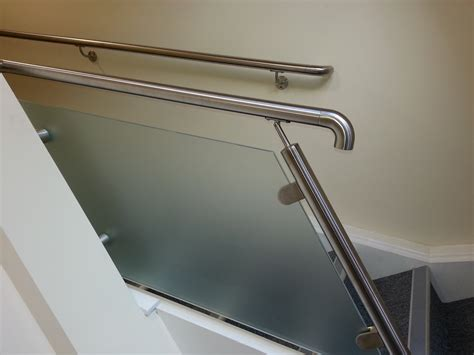 stainless steel banister stainless steel and powdercoated wall fixing stair handrails