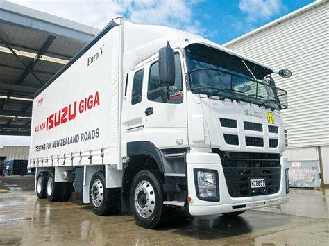 Truck Isuzu isuzu giga truck launch