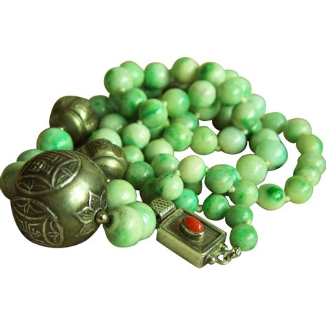 one of a necklace with vintage jadeite jade and