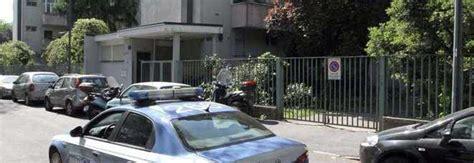 portiere di notte roma roma abusano e rapinano portiere di hotel 4 denunciati