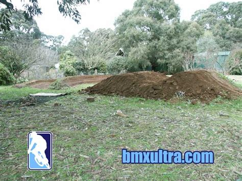 backyard bmx dirt jumps bmx racing news august 2005 bmxultra com