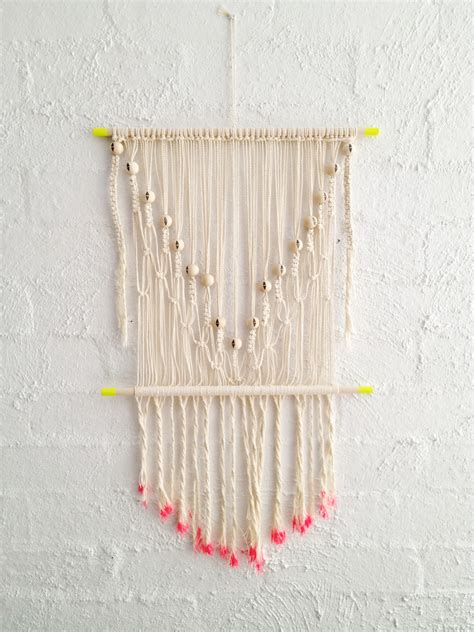 How To Make A Macrame Wall Hanging - diy macrame wall hanging a pair a spare bloglovin