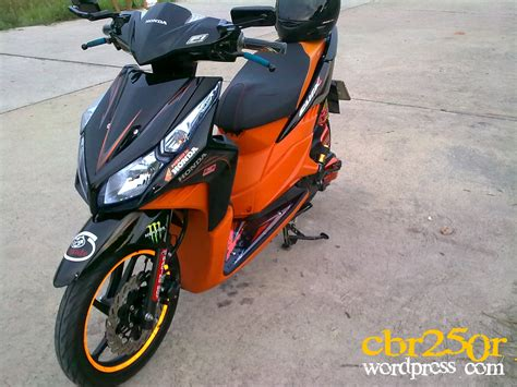 Sticker Cutting Scotlite Honda Vario Techno Pgm Fi modifikasi motor vario 125 orange terbaru velgy