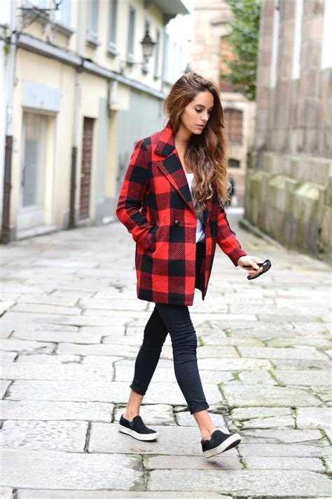 Winter Fashion Trends How To Wear Plaid by Everyone Is Wearing Buffalo Plaid Yeah It Is A Trend