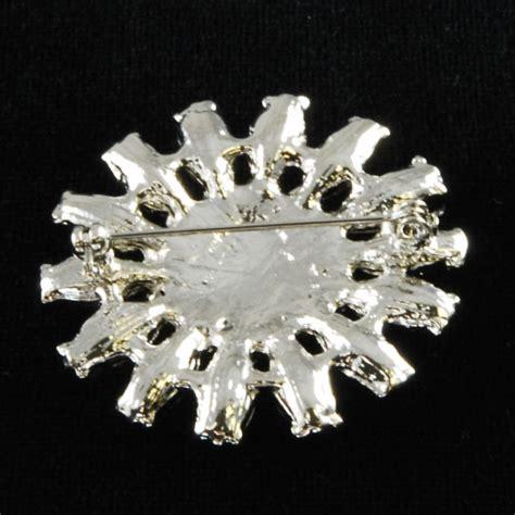 Pin Bross Salib Silver flower brooch