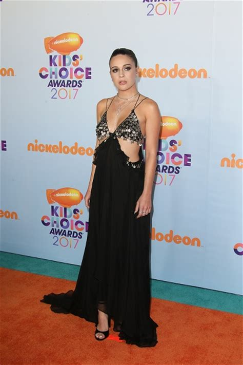 Choice Awards Wavy Trend by Fashion Files Bea Miller In Helorocha At Nickelodeon S