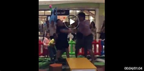 orangtua berkelahi  arena bermain anak tidak patut