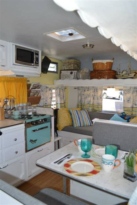 Vintage Travel Trailer Interior Pictures by 17 Best Images About If I Had A Trailer Cer Caravan