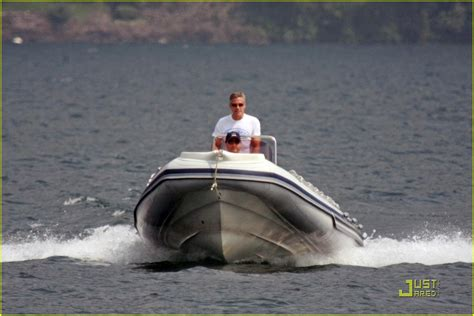 lake boat episode modern family george clooney is a tantalizing tourist photo 1199921