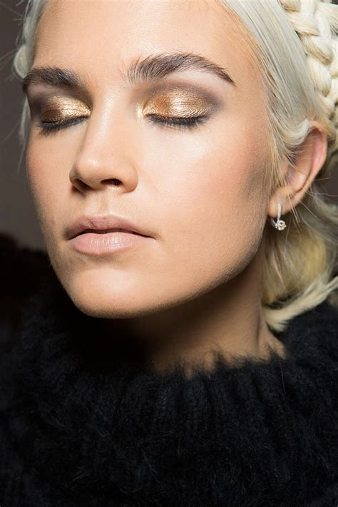 Fall Makeup Trends Gray Shadow fall makeup trends current classic the stairway