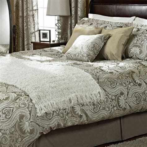 Cuddle Comforter by 38 Best Images About Bedding To Cuddle In On