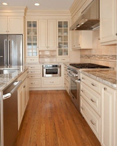 cream colored kitchens love cream colored cabinets home is where we love