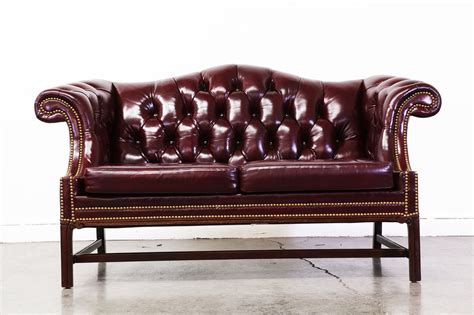 burgundy chesterfield sofa vintage burgundy leather chesterfield sofa vintage