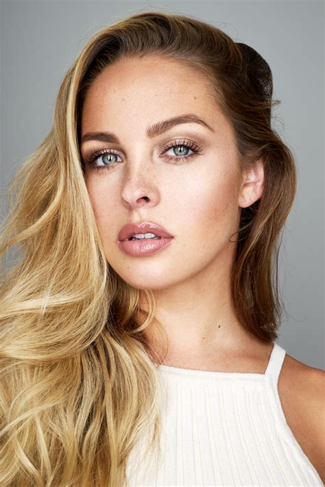 margot robbie headshot kim daylight simulated miguel quiles on fstoppers
