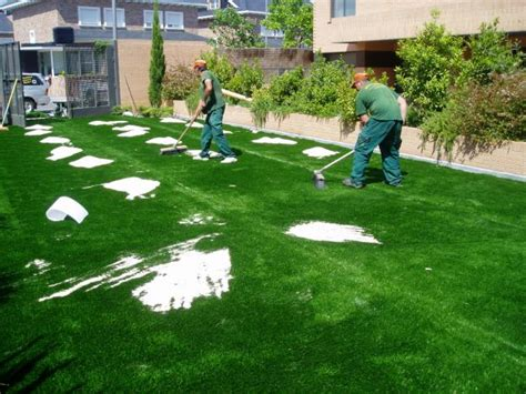 tappeti erbosi sintetici prezzi manutenzione dei tappeti erbosi sintetici di