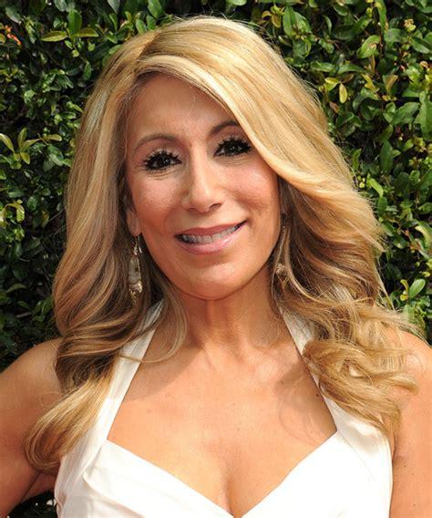 Lori Greiner Long Wavy Formal Hairstyle   Medium Blonde