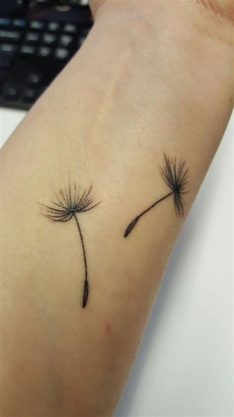 dandelion seed tattoo best 25 dandelion tattoos ideas on watercolor