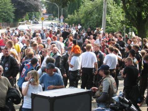 Motorradtreffen Justiz by Auf Dem Programm Ab 21 00 Uhr Spielte Die Holl 228 Ndische