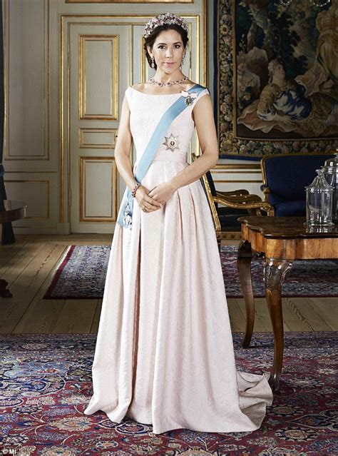 princess mary of denmark new bangs mary crown princess of denmark infogalactic the