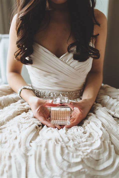 Why You Must Wear A Special Perfume On Your Wedding!
