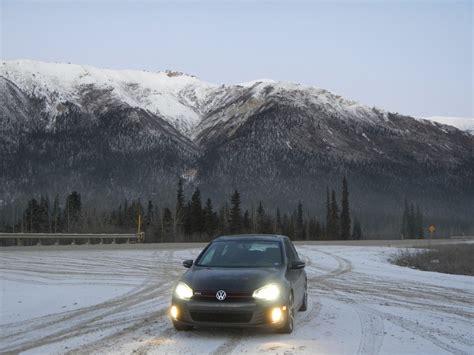 volkswagen snow vw gti in the snow autos post