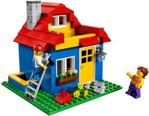 Lego Miscellaneous Iconic Pencil Pot 40154 Set Number 40154 1 Brickset Lego Set Guide And Database