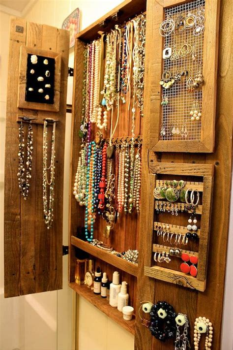 Jewelry Armoire Diy by Best 25 Jewelry Cabinet Ideas On Diy Projects