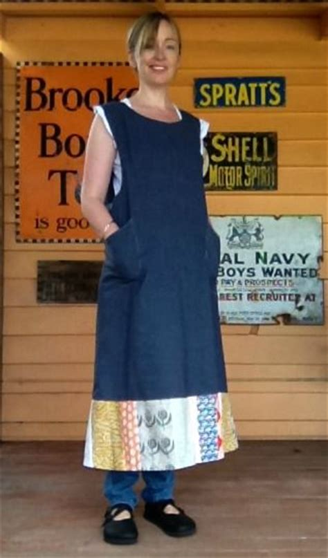 artisan apron pattern janet clare janet clare artisan apron with link to pattern this is