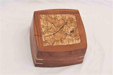 Handmade Decorative Boxes - a decorative keepsake box handmade of woods