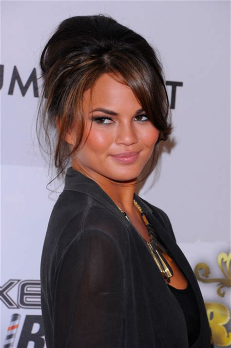 ama legend hair chrissy teigen pictures comedy central roast of donald