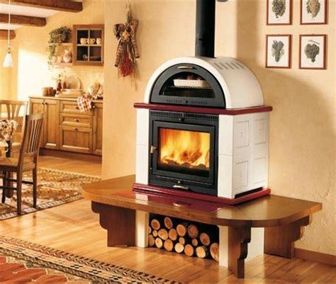 camini in cucina elegante modello di stufa a legna con forno in cucina
