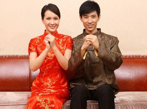 new year greeting gesture understanding peoples gestures in china40072653ab988cfb266f