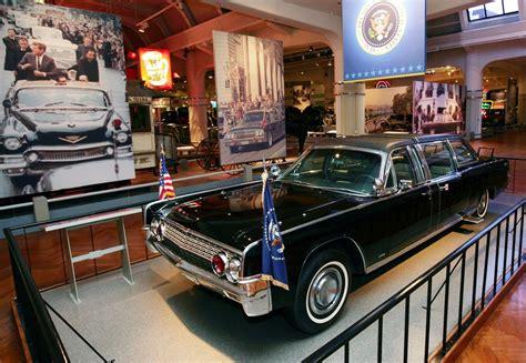 Lax Limousine by La Limousine Di Kennedy