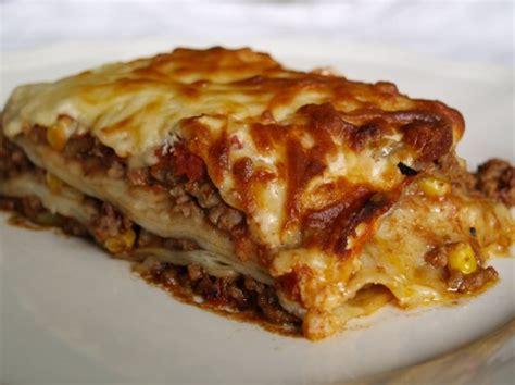 cucinare la lasagna menu di pasqua primi piatti lasagne al forno o alla