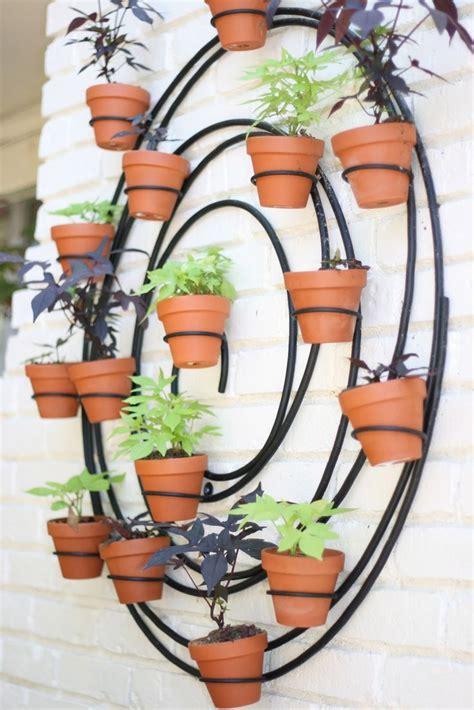 Vertical Garden Hangers 17 Best Ideas About Vertical Planter On