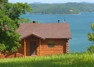 lake shore cabins beaver lake ozarks in the woods