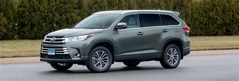 toyota highlander 2017 white freshened 2017 toyota highlander consumer reports