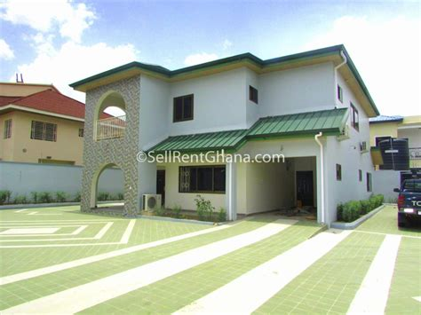 5 bedroom townhouse 2 staff quarters for rent sellrent