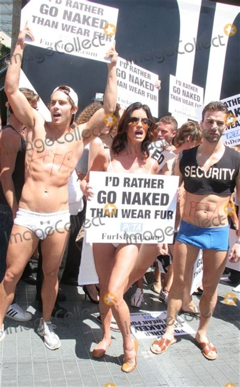 Janice Dickinsons Models Id Rather Go Than Wear Fur by Peta Protester Pictures And Photos